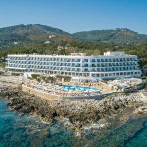 Last Minute: 5 Tage Mallorca im TOP 4* Resort mit Frühstück, Flug, Transfer & Zug nur 291€
