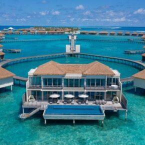 Traumurlaub auf den Malediven: 10 Tage mit Overwater Villa & Privatpool inkl. VP, Flug & Transfer für 3.283€