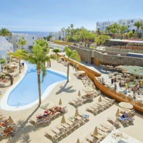 Sonne tanken auf Fuerteventura: 7 Tage im 4* Strandhotel inkl. Halbpension, Flug & Transfer für 537€