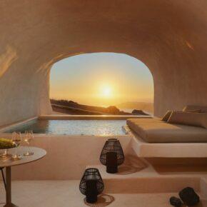 Einfach traumhaft: 6 Tage Santorini im nagelneuen Luxushotel mit Frühstück, privatem Whirlpool & Flug für 1.607€